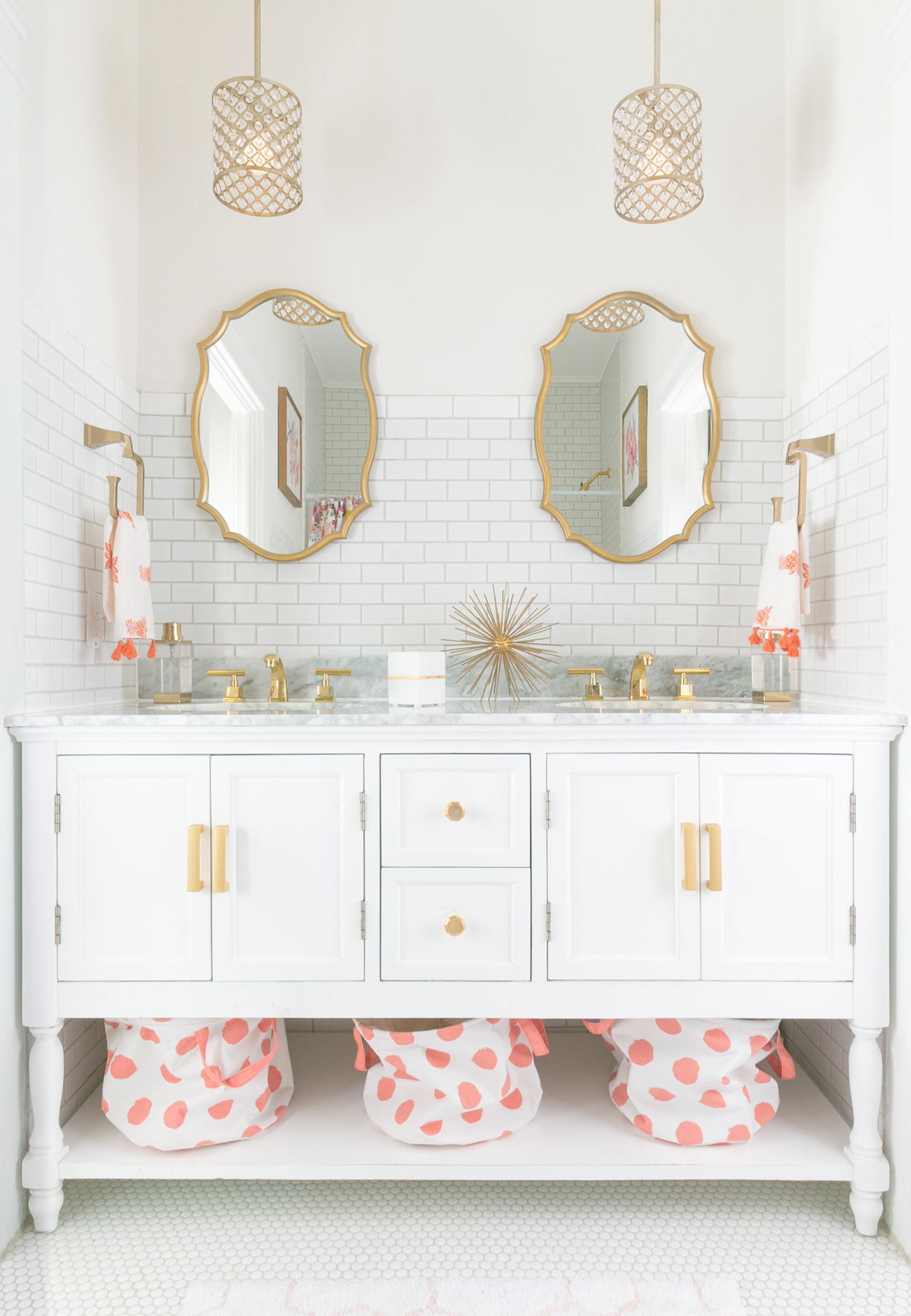 HOW TO INTRODUCE A 1950\'S BATHROOM TO 2018 - Jeffrey Court